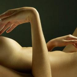 Sentuhan Erotis Untuk Membangkitkan Gairah Bercinta Wanita