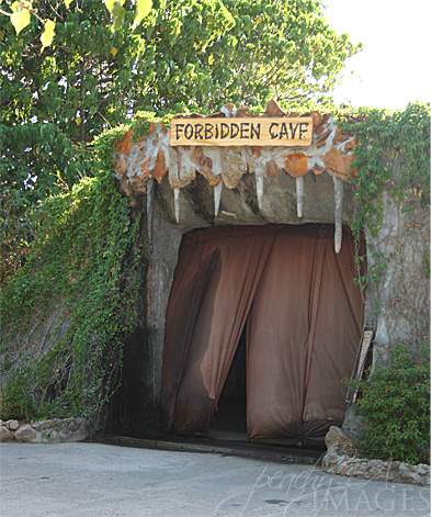 forbidden cave in zoobic safari