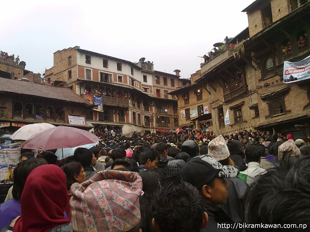 People waiting for bhairav rath