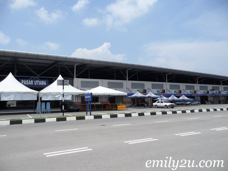 huge market Gopeng