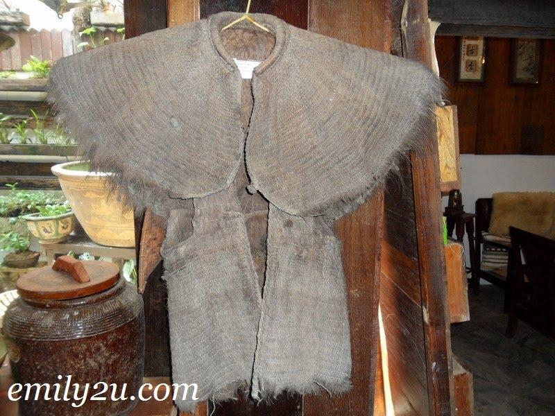coconut husk raincoat