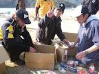 救援物資を詰める選手達UP 2011-04-19T13:50:12.000Z