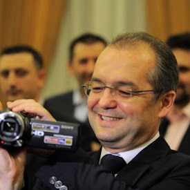 Emil Boc, cameraman amator