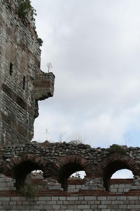 Стена, Константинополь