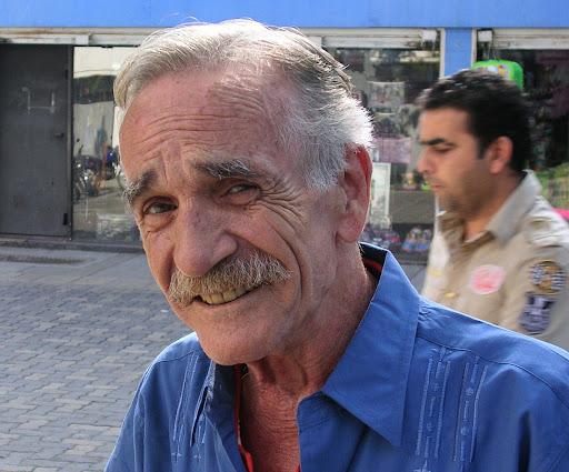 Hombre en el Bulevar de Sabana Grande Caracas Venezuela