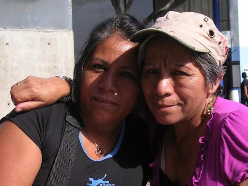 Mujeres en el Bulevar de Sabana Grande Caracas Venezuela