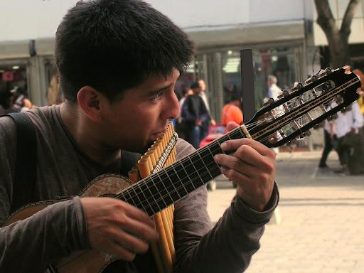 Músico en el Bulevar de Sabana Grande Caracas Venezuela
