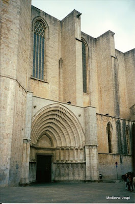Arquitectura medieval girona i manresa comparades for Arquitectura medieval