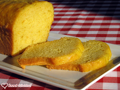 Rumos-illatos sütemény