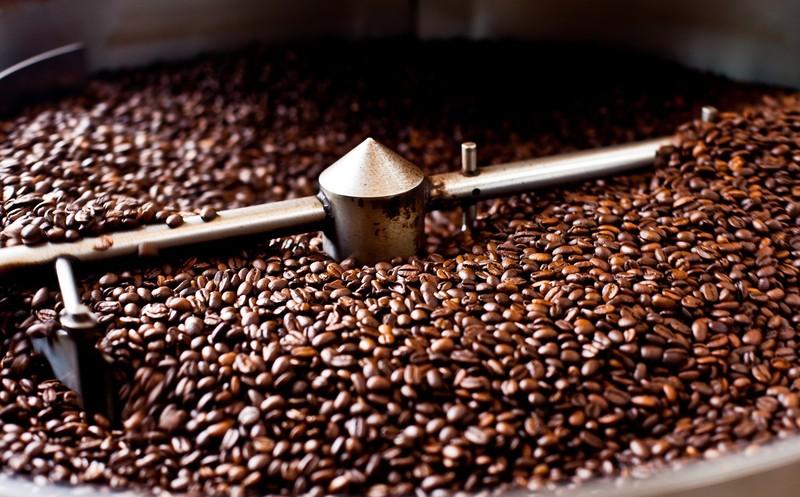 Rang cà phê nguyên chất là công đoạn quan trọng quyết định tới chất lượng thành phẩm