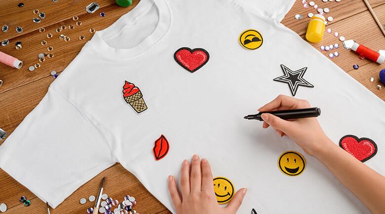Personalize suas camisas com remendos para passar a ferro - Fabuloso