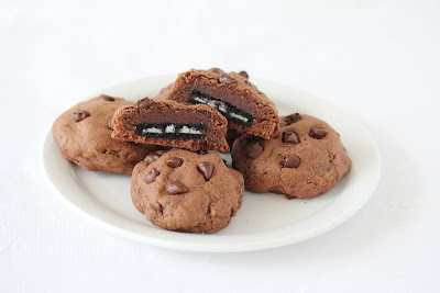 photo of a plate of Oreo Stuffed Chocolate Cookies