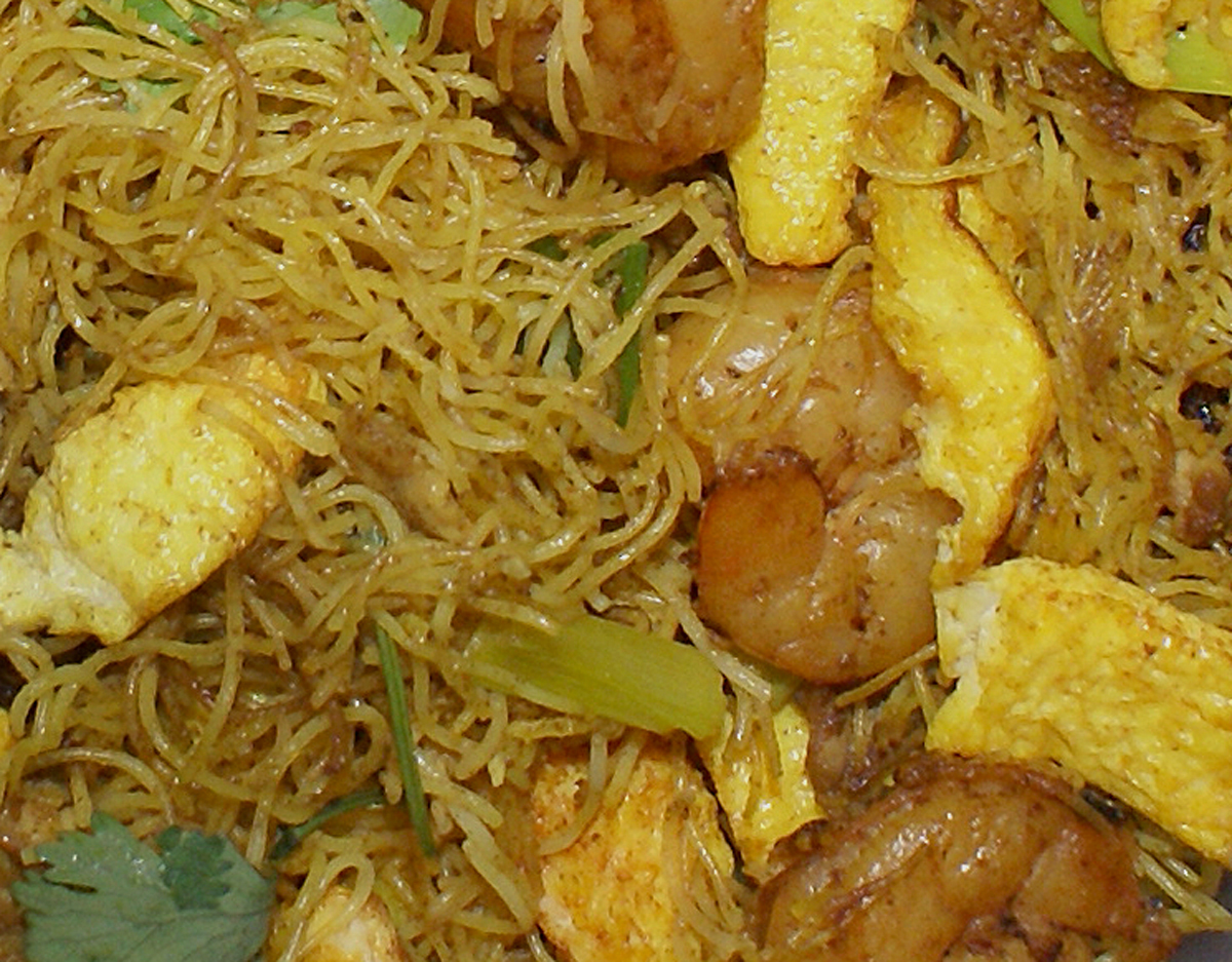 Singapore Fried Rice Noodles (Sing Chow Mai Fun)