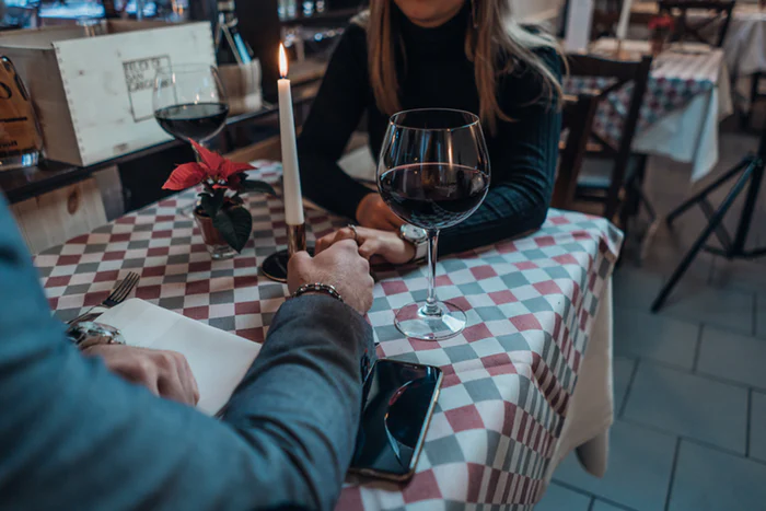 Meeting someone for the first time after texting (A brief guide)