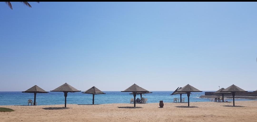 شاطئ فندق رامادا