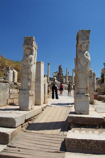Vía de los curetes en la antigua ciudad de Éfeso