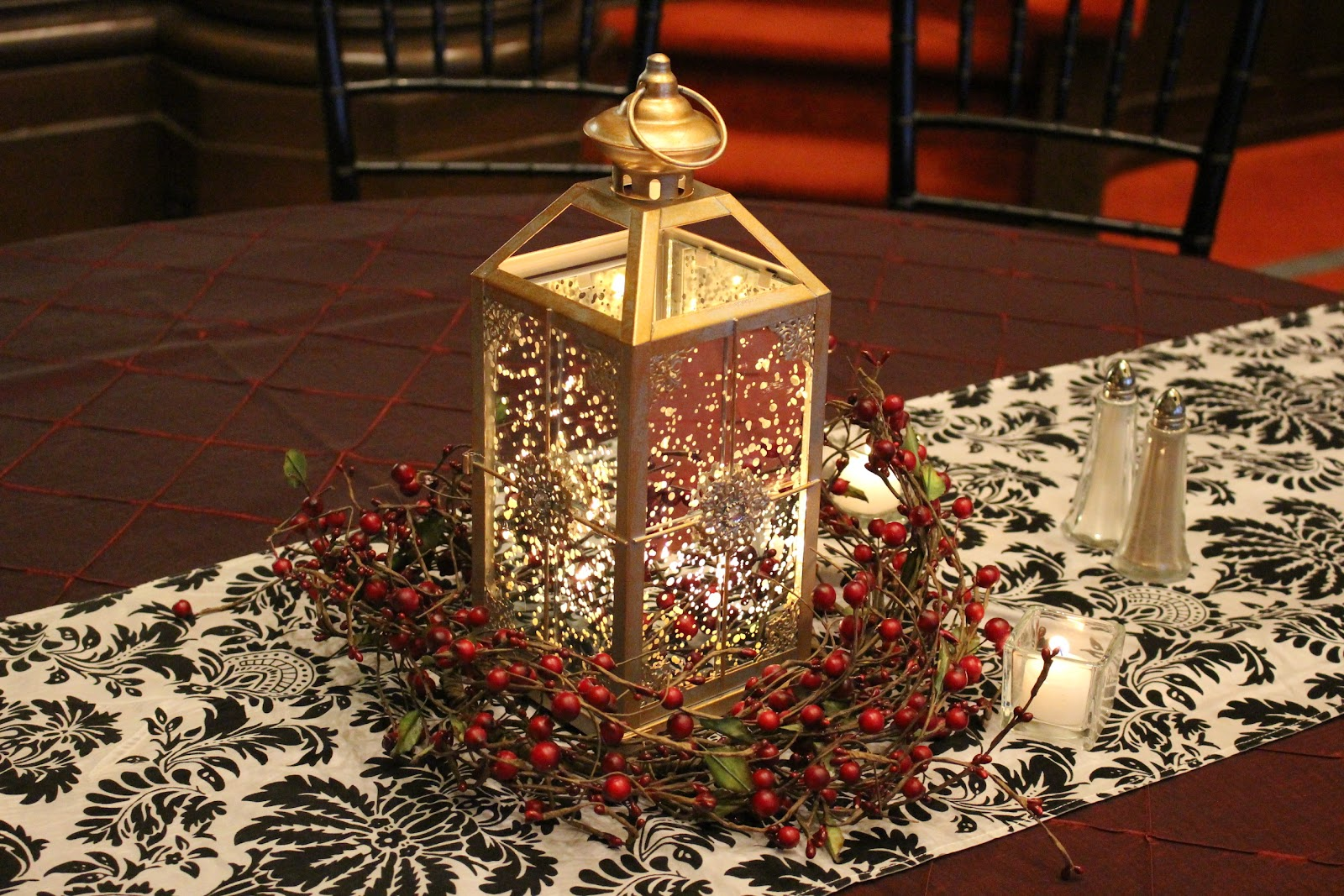 Christmas wedding table decor temple square for 7 candle christmas decoration