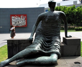 sculpture_henry_moore