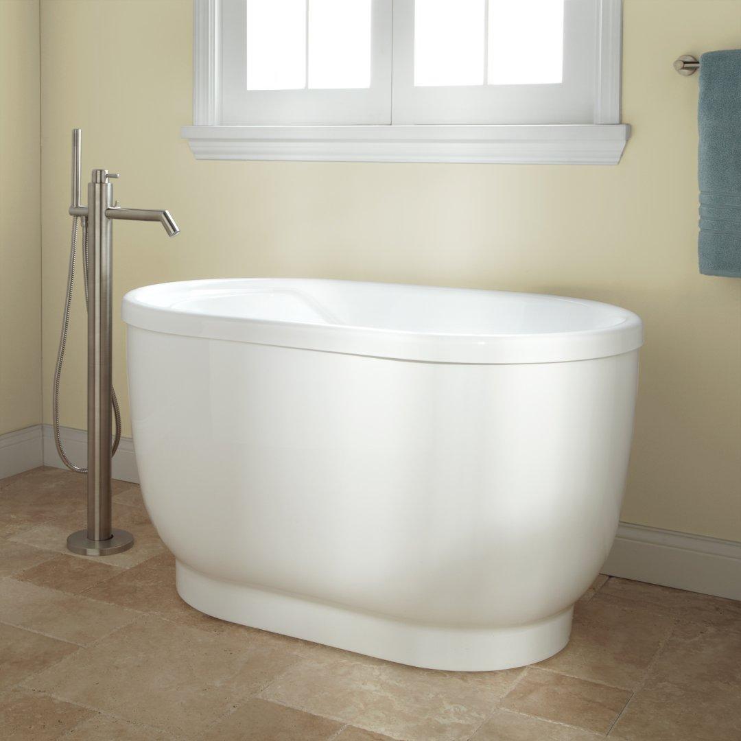 arcylic freestanding tub