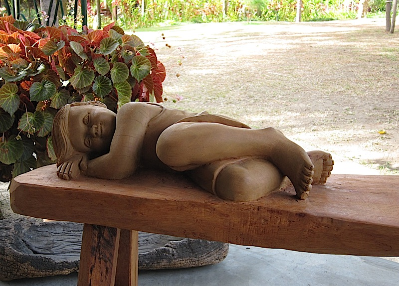 sculpted bench at Casa San Pablo