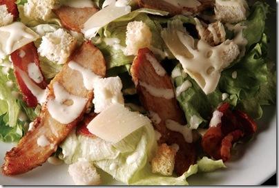 Salada Caesar com Frango b