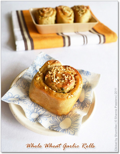 Eggless Whole Wheat Garlic Buns