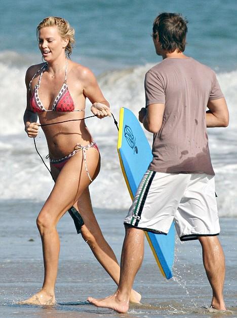 beach Barbie's Style