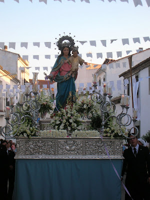 María Auxiliadora en la procesión del 2011 en Pozoblanco. Foto cedida por: Pozoblanco News, las noticias y la actualidad de Pozoblanco (Córdoba)* www.pozoblanconews.blogspot.com