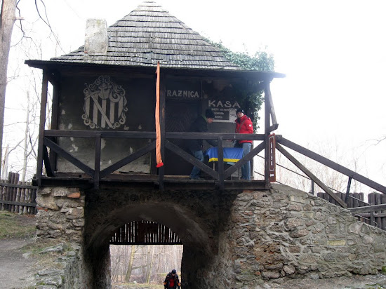 zamek Chojnik - kasa na strażnicy