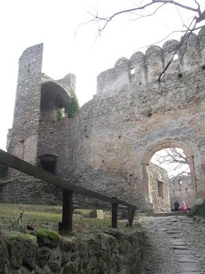 zamek Chojnik - mały dziedziniec