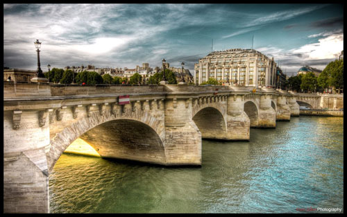 paris River side wallpaper