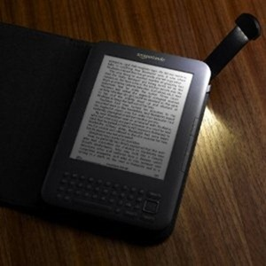 kindle-cover-and-light