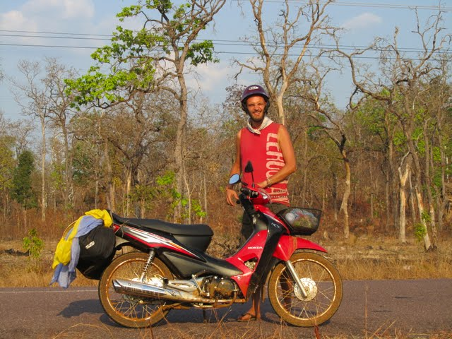 Paksong to Pakse by motorbike