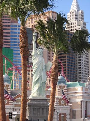 Statue of liberty newyork casino hotel palm trees vegas photo