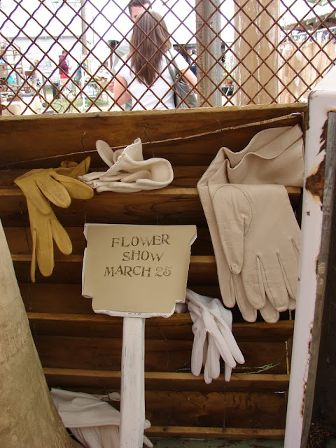 Theresa's gloves