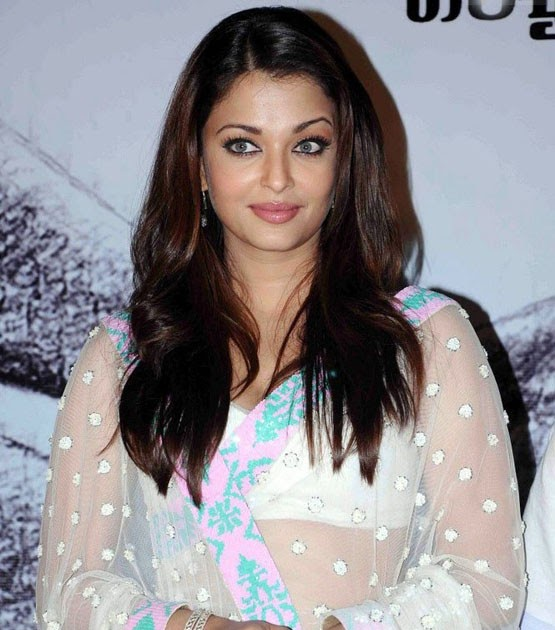 Bollywood Hot  Sexy Actress Aishwarya Rai Photo -5940