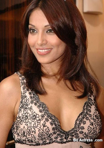 Bollywood Actress Bipasha Basu Photo-01