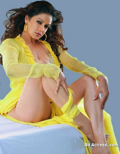 Bollywood Actress Poonam Jhawar Photo-03