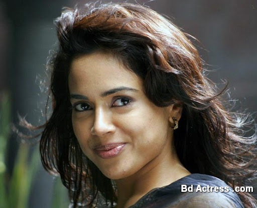 Bollywood Actress Sameera Reddy Photo-02