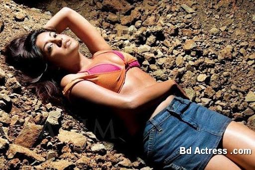 Bollywood Actress Tanushree Dutta Photo-06