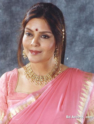 Bollywood Actress Zeenat Aman Photo-03
