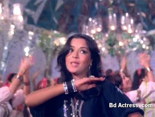 Bollywood Actress Zeenat Aman Photo-04