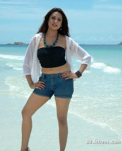 South Indian Actress Adithi Agarwal Photo-01