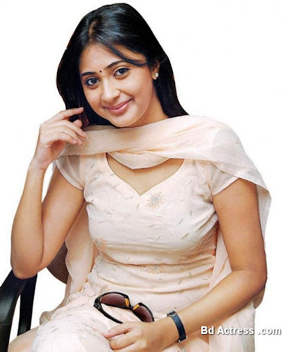 South Indian Actress Kanika Kaniga Photo-02