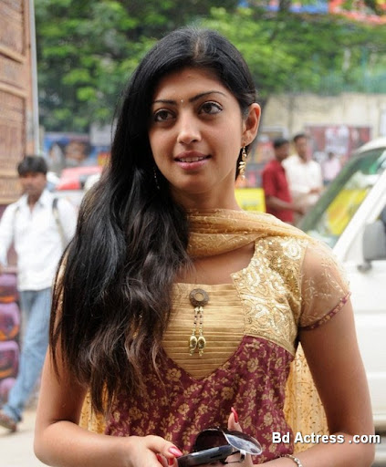 South Indian Actress Praneetha Photo-02