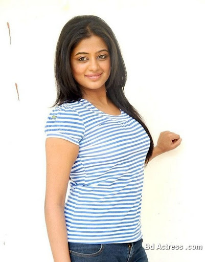 South Indian Actress Priyamani Photo-01