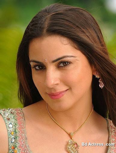 South Indian Actress Shradha Arya Photo-03