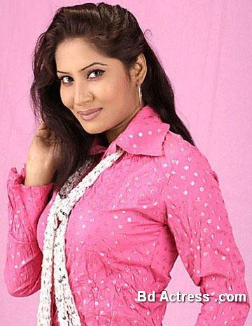 Bangladeshi Model Farah Ruma smile