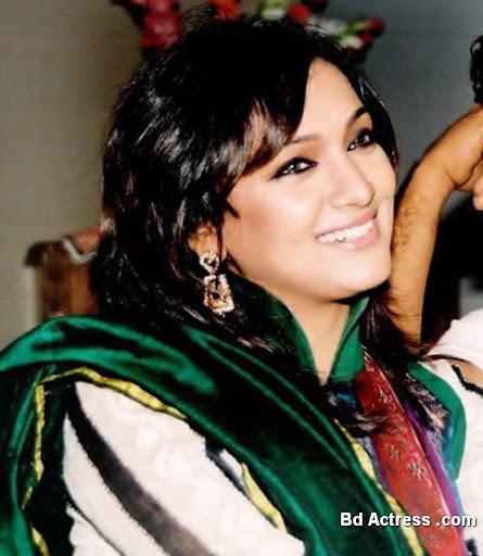 Bangladeshi Model Bindu Photo