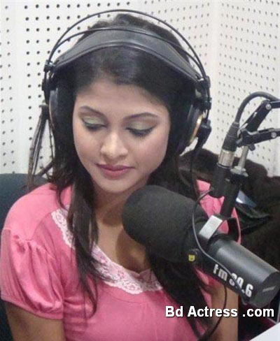 Bangladeshi Model Sarika in radio house